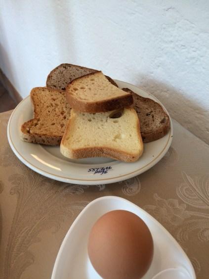 Hotel Weiss - Der glutenfreie Brotteller zum Frühstück wir separat gebracht