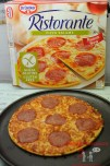 Pizza Salame nach dem Backen