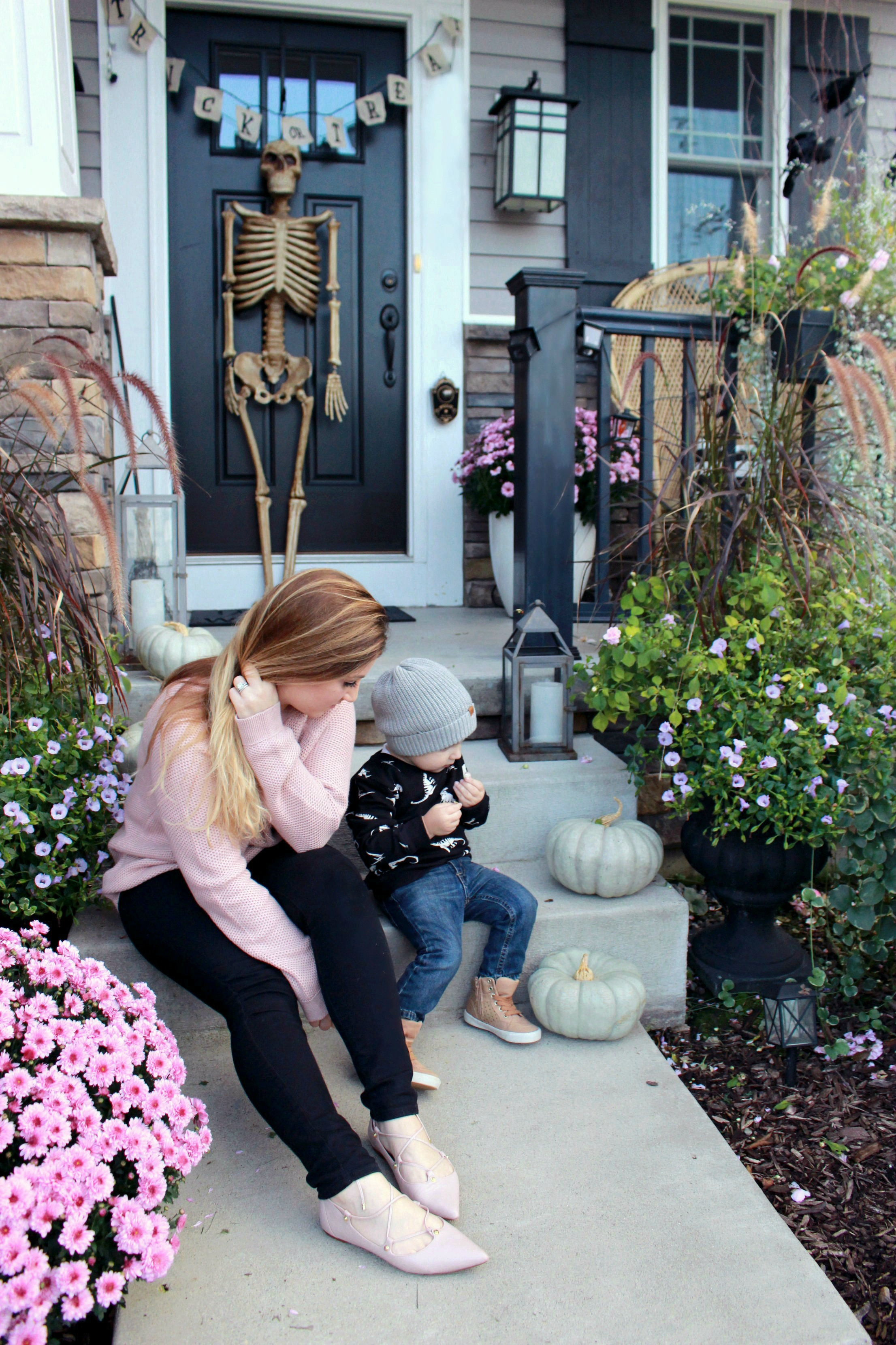 077e91360f5 Fall Front Porch Decorating with Unexpected Colors - Zoe With Love