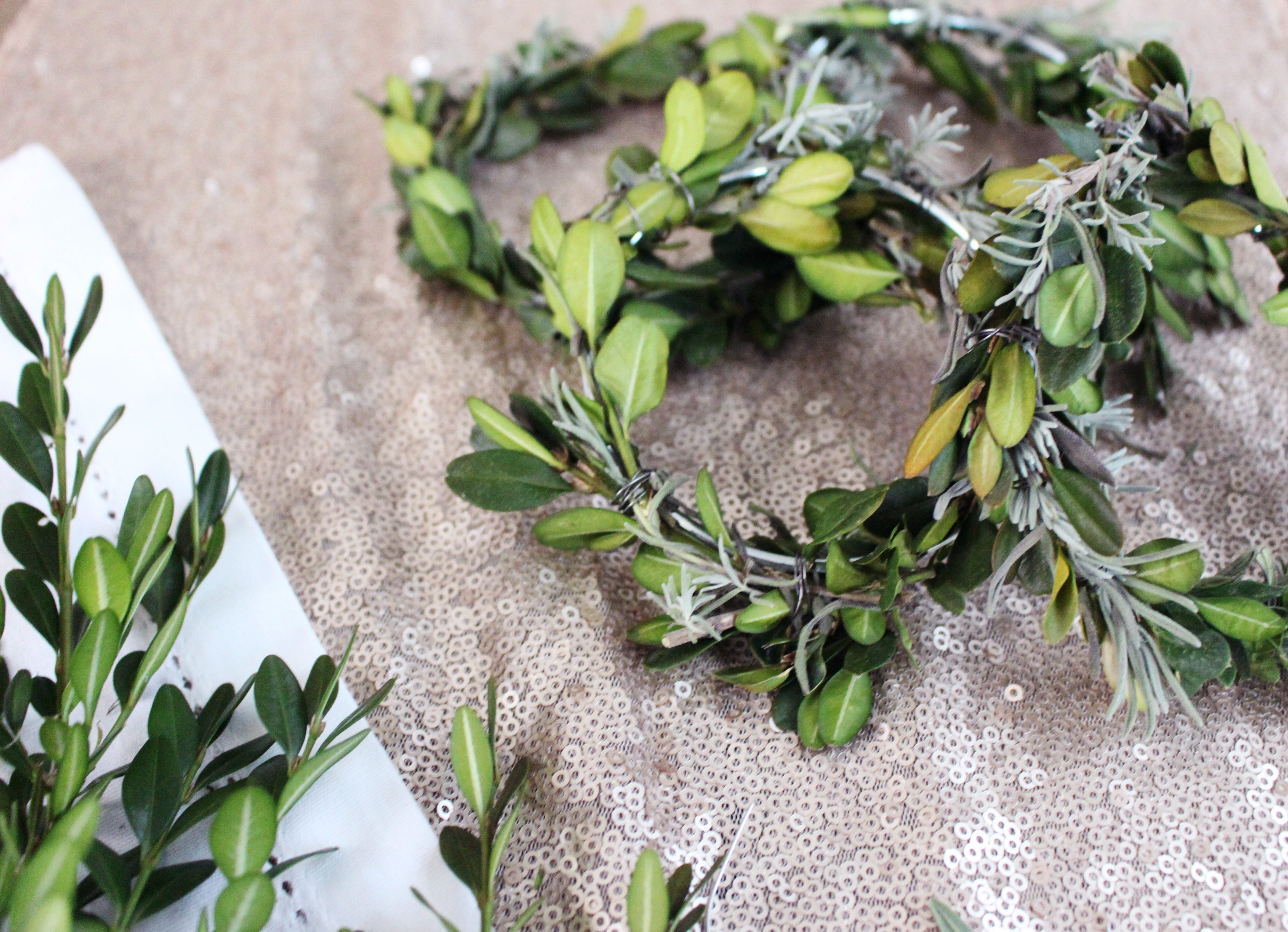 Zoe With Love shares how to easily create the perfect mini wreaths for Christmas