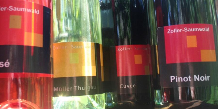 Weinflaschen Weinbau Zoller-Saumwald