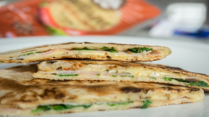 breakfast quesadilla met pittige kaas en ham-3