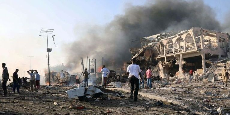 Somalia gamsung Truck Bomb puakkhapna hangin asi mi 231 pha, 275 liam
