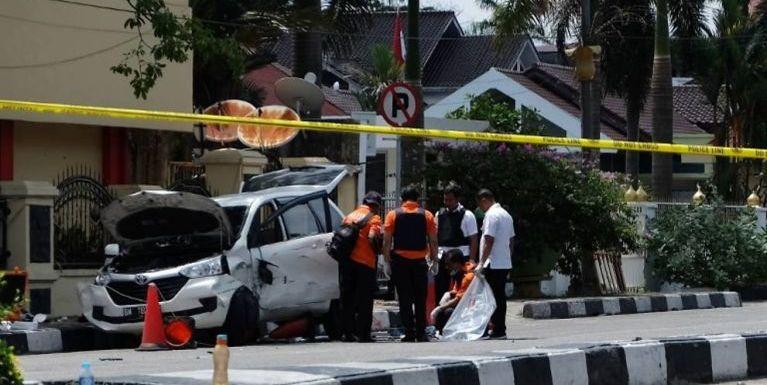 Indonesia Police HQ asim temtawi migilo 4 kikaplum, Officer khatzong si