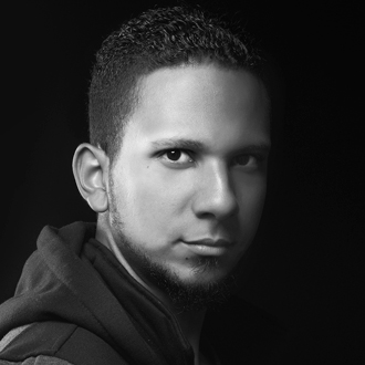 Yanis Dominik Iluminación en Estudio