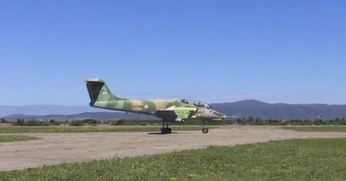 AX-561 antes de iniciar su segundo vuelo de ensayo. Fotograma: FAdeA.