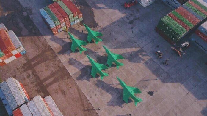 Llegaron a la Argentina los cinco aviones Super Étendard comprados a Francia Sem9