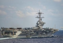 """El brote de coronavirus en el USS Roosevelt es """"continuo y acelerado"""""""