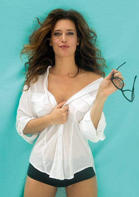 Angie Cepeda Posó Sexy Para La Revista Donjuan