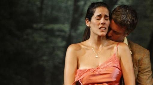 Gianella Neyra desnuda