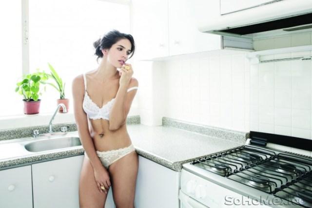 Bárbara de Regil desnuda en Soho México (7)