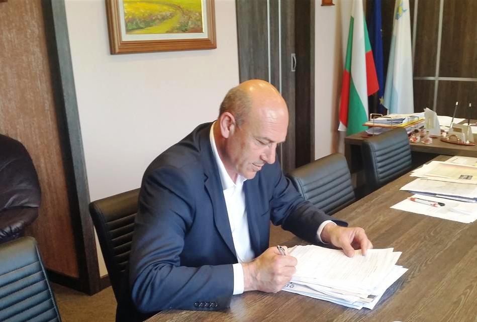Достъпът до общинската администрация в Поморие се ограничава заради коронавируса