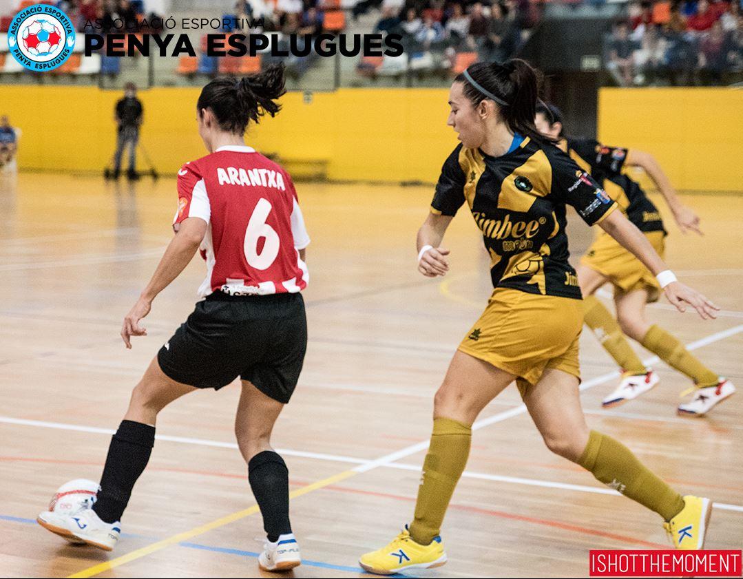"""Arantxa Medina (Jugadora de AE Penya Esplugues): """"El vestuario afronta los partidos que quedan con ilusión y ganas"""""""