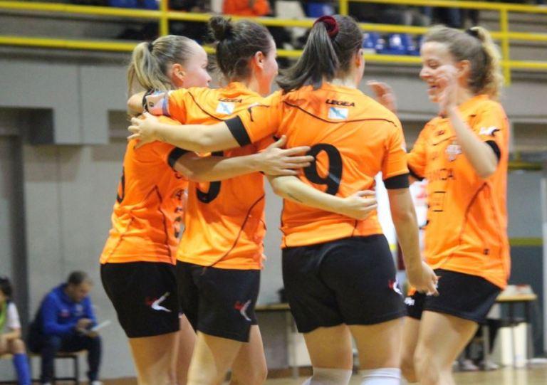 Crónica: Viaxes Amarelle FSF - UDC Txantrea KKE. Jornada 10ª. 2ª División Fútbol Sala Femenino. Grupo 1º
