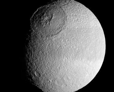 Sobrevolando el planeta enano Ceres