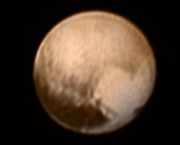 A 8 millones de kilómetros de Plutón