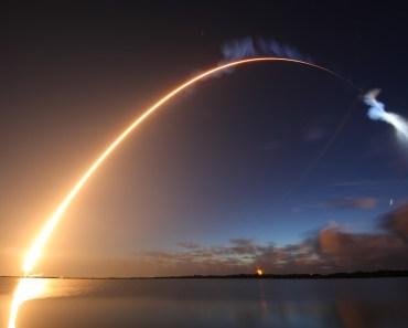 Atlas V elevándose