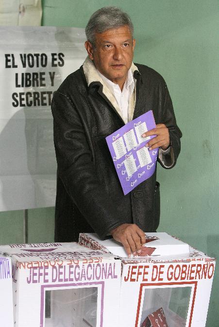 https://i0.wp.com/www.zonalibre.org/blog/nivonog/archives/peje%20votando.JPG