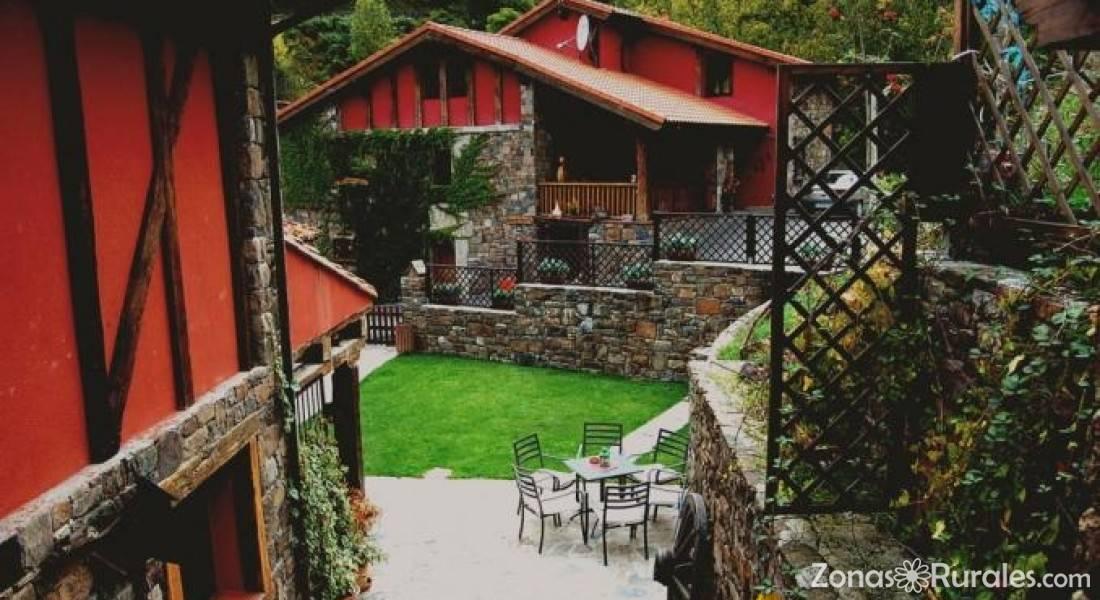 Apartamentos Rurales y Spa La Barcena  Apartamentos