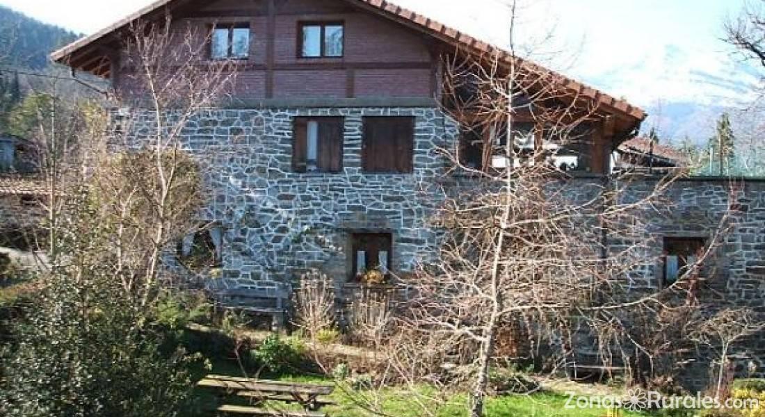 Casa Rural Amalau  Casa Rural en Zeanuri Vizcaya