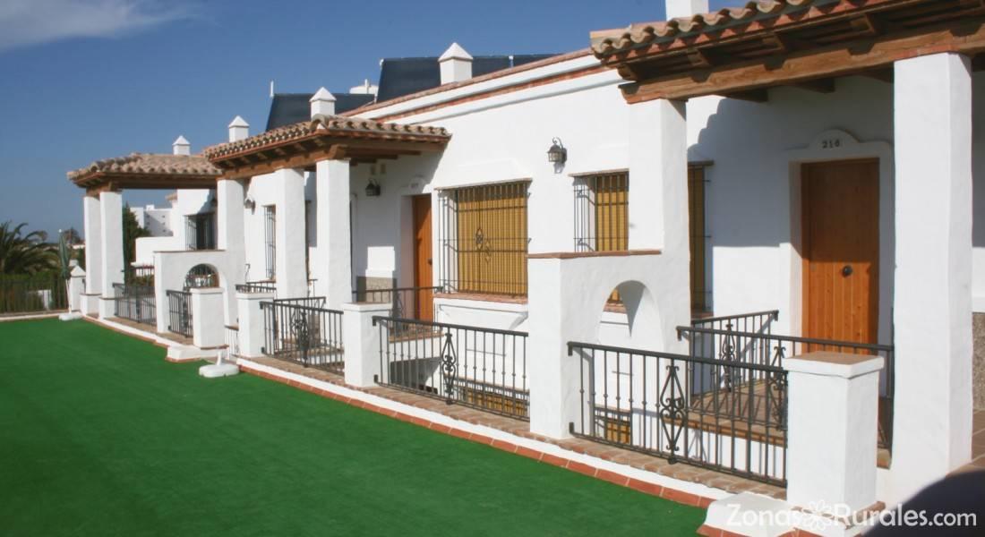 Apartamentos El Roqueo  Apartamentos Rurales en Conil de