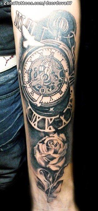 Tatuaje De Relojes Rosas Antebrazo