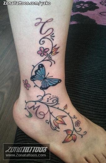 Tatuaje De Enredaderas Flores Mariposas