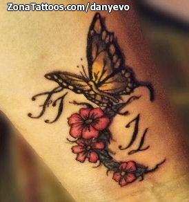 Tatuaje De Mariposas Muñeca Flores