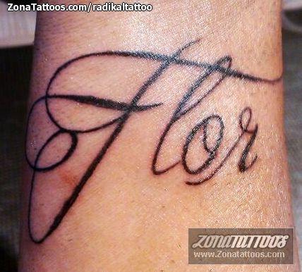 Tatuajes Y Diseños Del Nombre Flor Zonatattoos