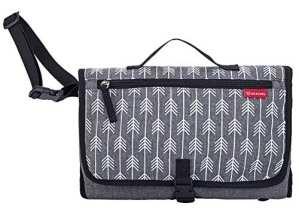 Lekebaby Portable Tapis à langer avec taie d'oreiller Pad et sac à langer étanche pour bébé de voyage extérieur, flèche d'impression