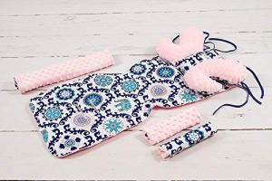 Solenzo – Set 4 pièces Protection siège poussette et cale tête bébé assorti (Bleu et rose)