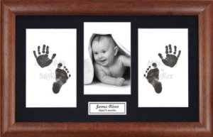 Anika-Baby BabyRice Kit empreintes de pieds et mains de bébé avec impression noire sans encre/cadre en bois foncé avec support noir