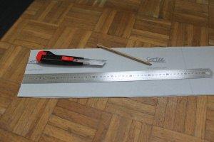 Outils : Cutter, règle et crayon