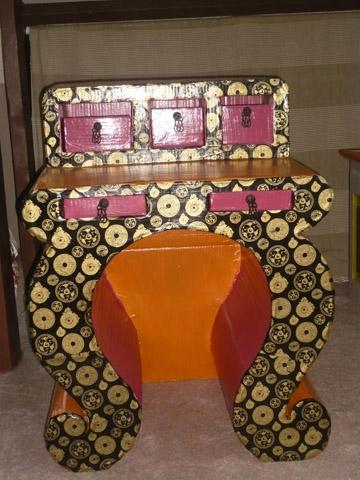 creation de meubles en carton par celine
