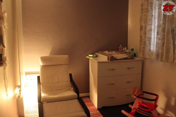 eclairage chambre livingcolors iris zonetravaux bricolage d coration outillage jardinage. Black Bedroom Furniture Sets. Home Design Ideas