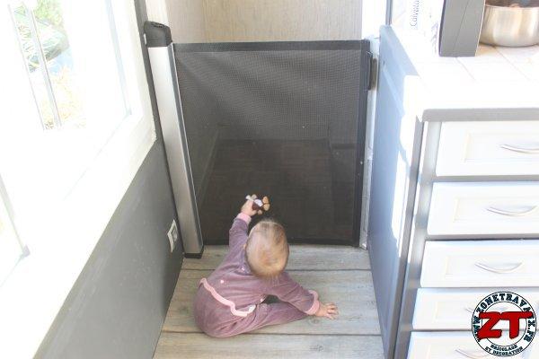 Installer une barrire de scurit pour bb et enfant
