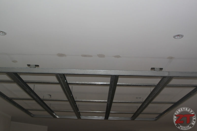 Faux Plafond Avec Spot. Elegant Maison En Bois En Utilisant