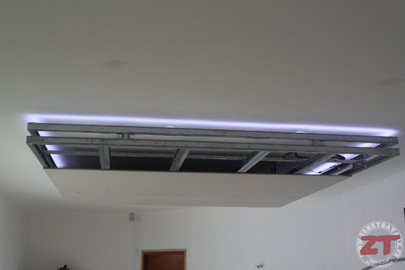 Faux Plafond Spot. Cuisine Sans Poigne Avec Corniche Lumineuse Et