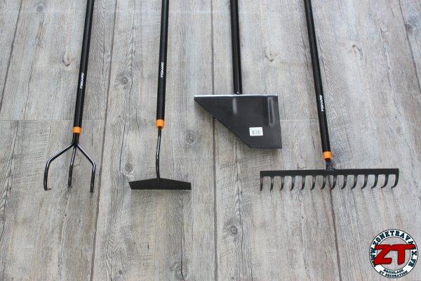 Test : Outils de jardinage FISKARS SOLID (binette, râteau ...