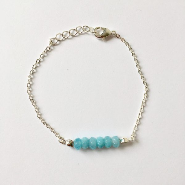 Armband met blauwe natuursteen zilverkleurig
