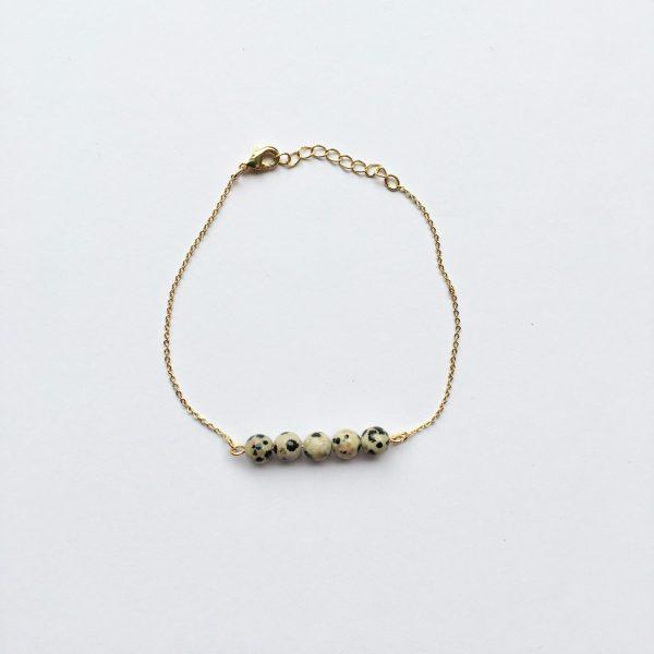 Armband met donker grijze natuursteen (goud)