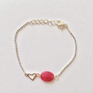 Armband met fel roze jade ovaal zilver