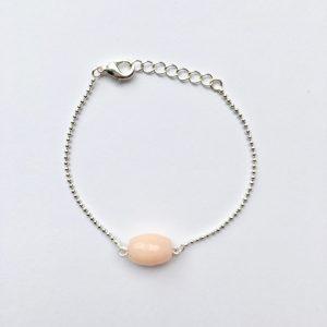 Armband met natuursteen zalmroze ovaal zilver