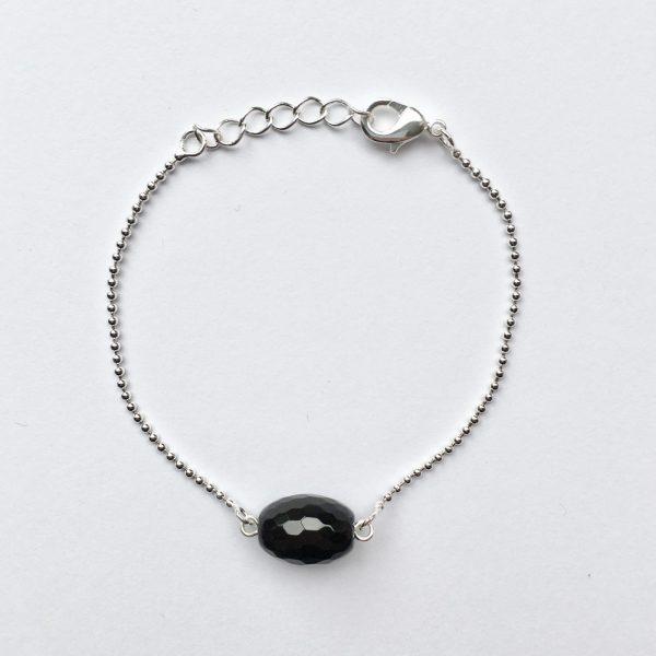 Armband met onyx bolletje (zilver)