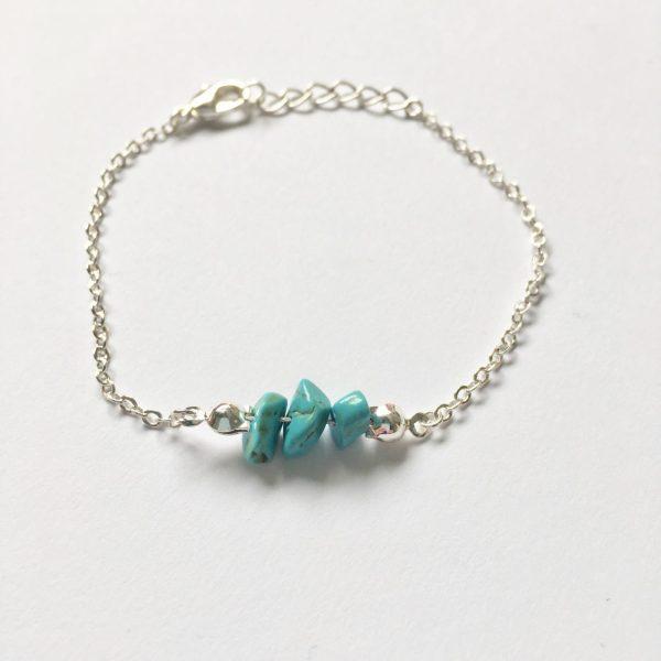 Armband met turquoise natuursteen zilverkleurig