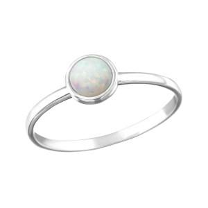 Fijne zilveren ring met zirkonia