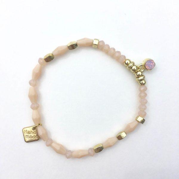 Kralen armband zalmroze en goud