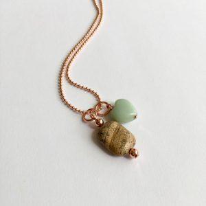 Lange ketting met edelsteen jade natuursteen rose goud