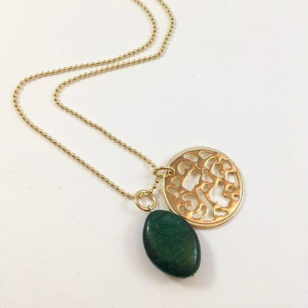Lange ketting met groene agaat munt goudkleurig
