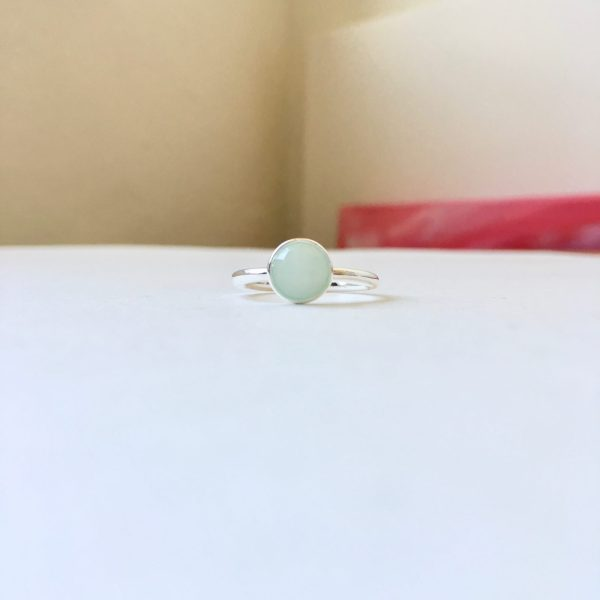Ring met ronde natuursteen zilver